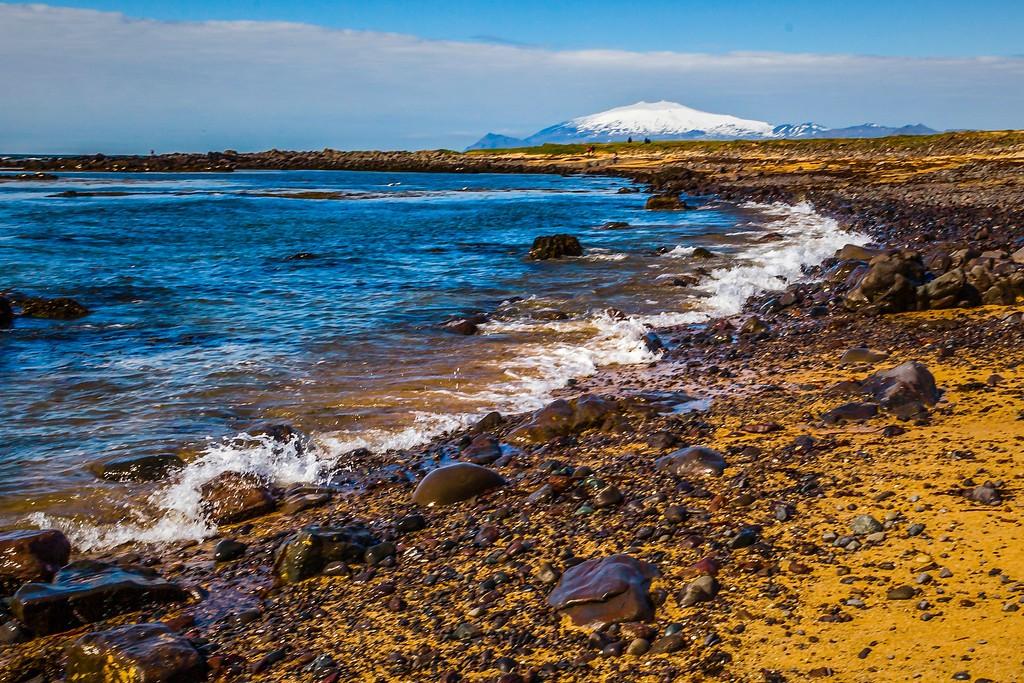 冰岛风采,礁石海水还有雪山_图1-2
