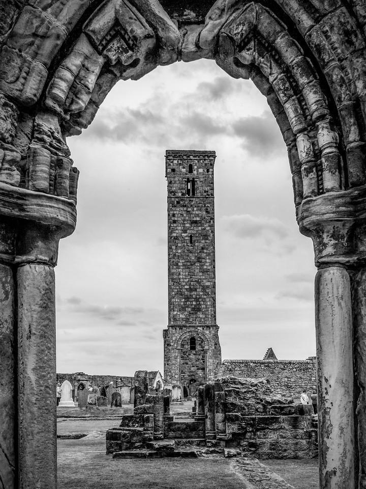 苏格兰圣安德鲁主教座堂(Cathedral of St Andrew)遗迹,曾经的辉煌 ..._图1-1