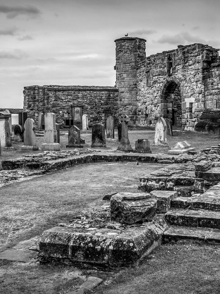 苏格兰圣安德鲁主教座堂(Cathedral of St Andrew)遗迹,曾经的辉煌 ..._图1-2