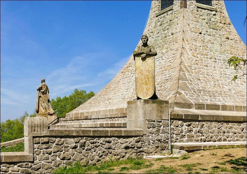 奥斯特里茨和平纪念碑_图1-6