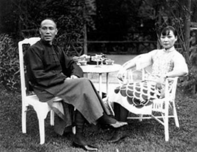 """宋美龄年轻时的那些""""风流韵事,""""蒋介石曾提枪捉奸?_图1-2"""