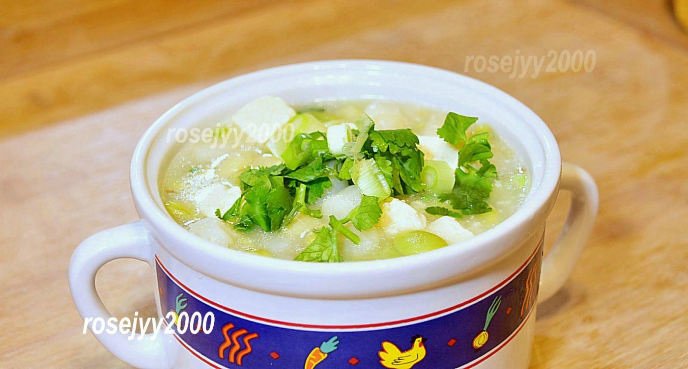 鲜贝肉豆腐汤_图1-1