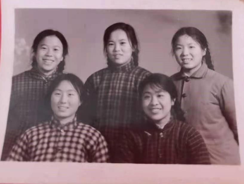 北京市通县三中七三届三年级九班的青葱少年_图1-19