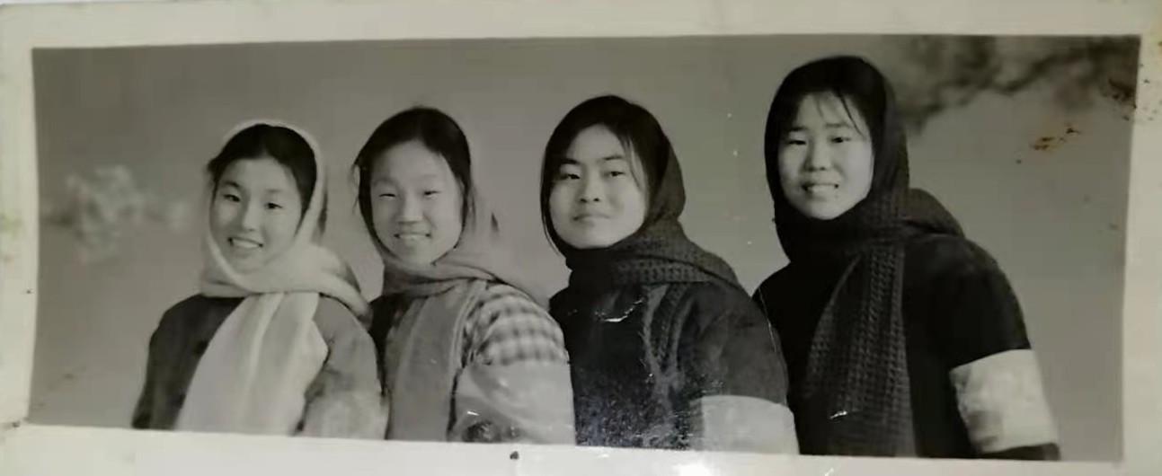 北京市通县三中七三届三年级九班的青葱少年_图1-20