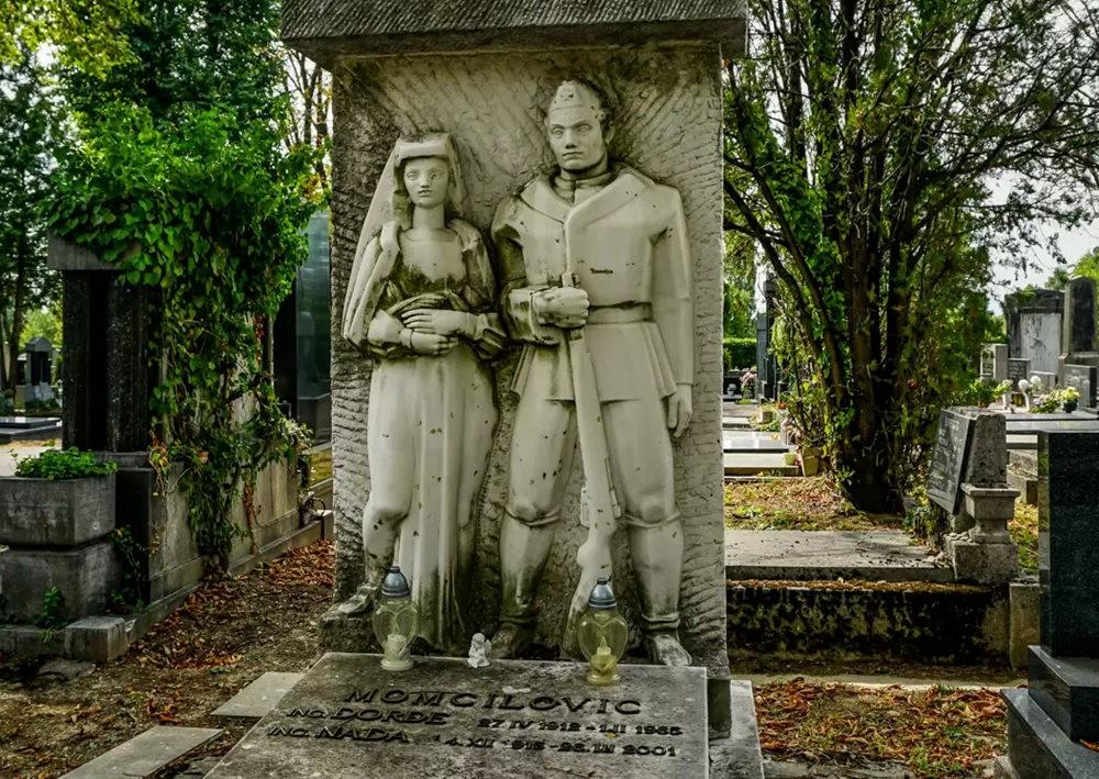 在萨格勒布参观米罗戈日公墓_图1-13
