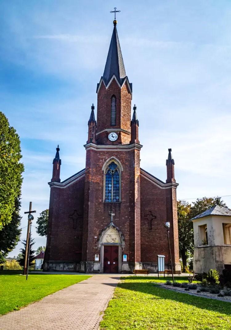 在萨格勒布参观米罗戈日公墓_图1-18