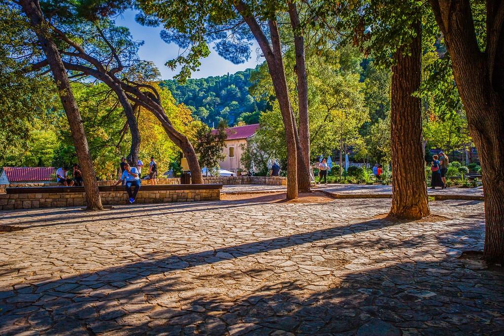 克罗地亚克尔卡国家公园(Krka National Park),脚下的瀑布_图1-16