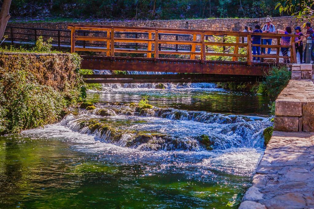 克罗地亚克尔卡国家公园(Krka National Park),脚下的瀑布_图1-26