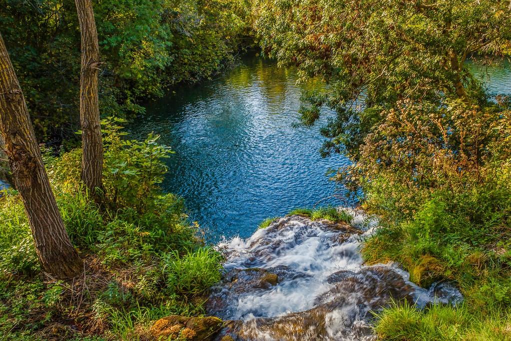 克罗地亚克尔卡国家公园(Krka National Park),脚下的瀑布_图1-29