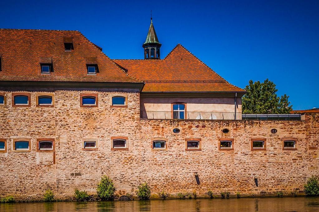 法国斯特拉斯堡(Strasbourg),新旧融合_图1-2