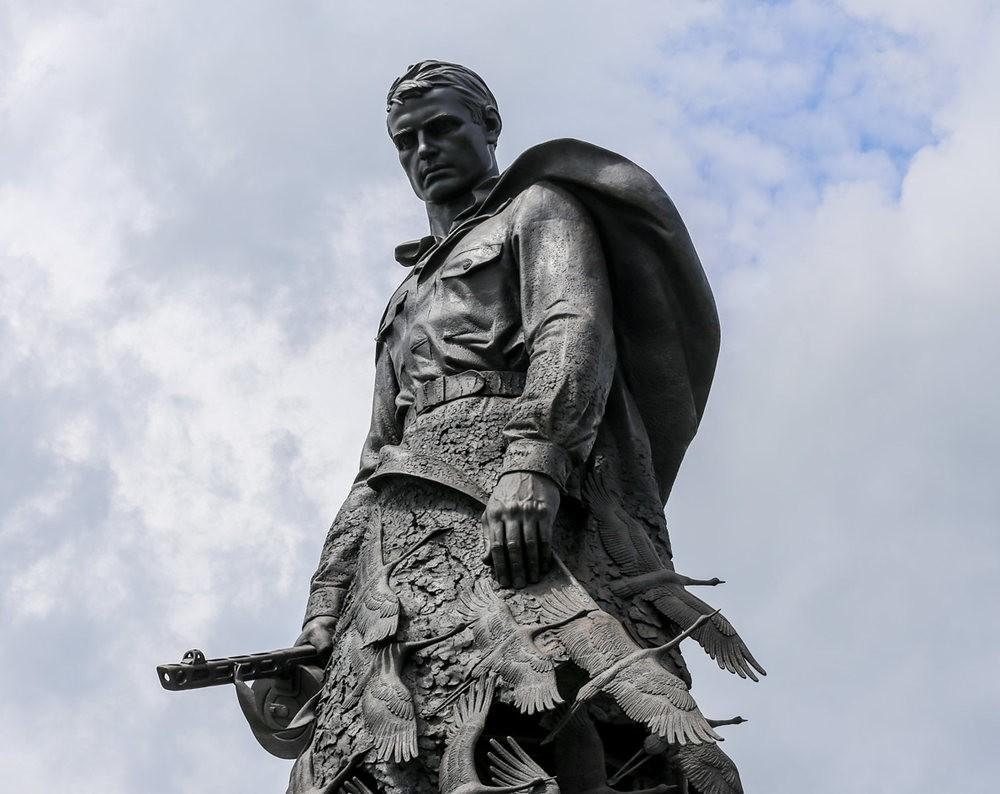 勒热夫战役纪念碑_图1-1