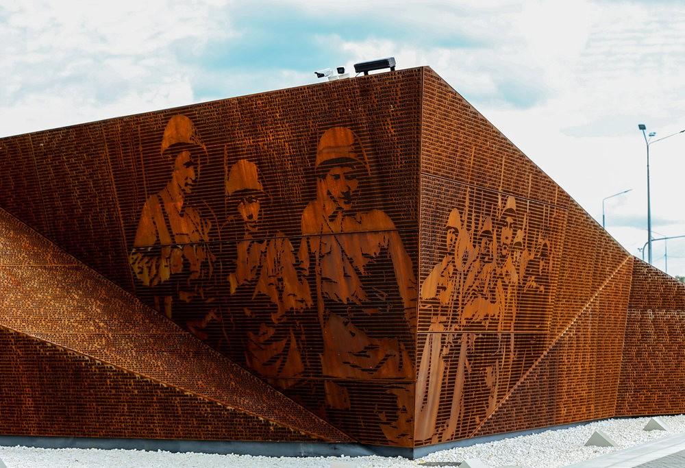 勒热夫战役纪念碑_图1-9