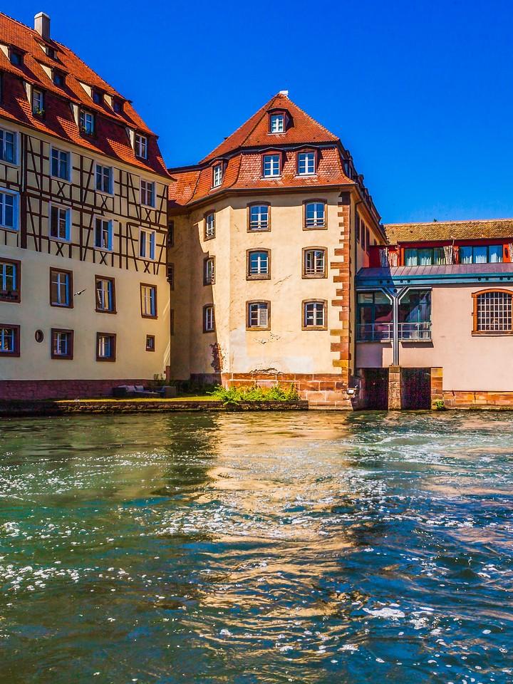 法国斯特拉斯堡(Strasbourg),沿岸风景_图1-20