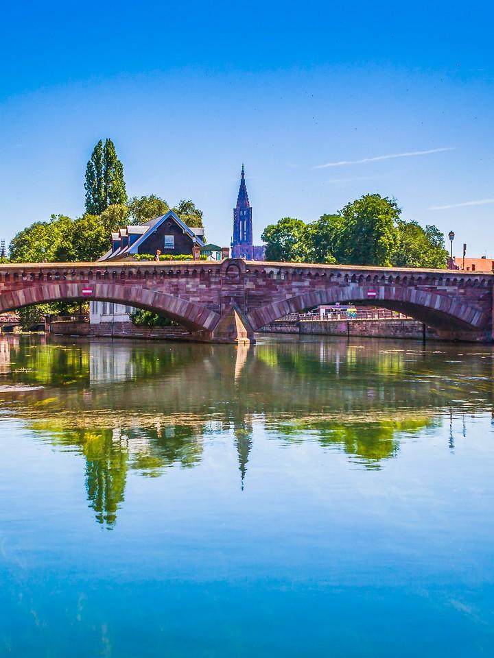 法国斯特拉斯堡(Strasbourg),沿岸风景_图1-8