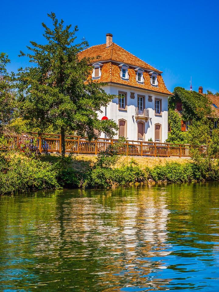 法国斯特拉斯堡(Strasbourg),沿岸风景_图1-9