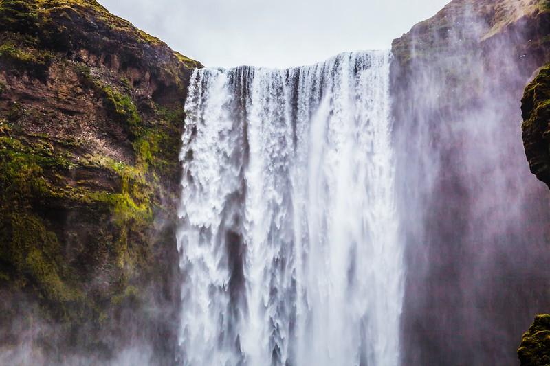 冰岛Skógafoss瀑布,飞流直下_图1-3