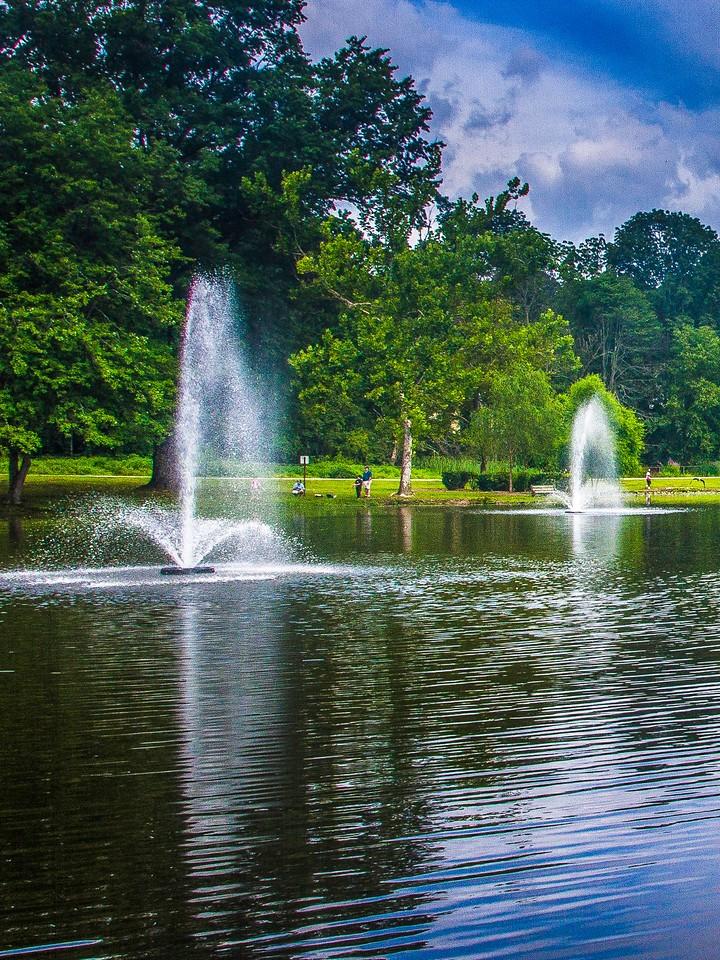 滨州Willows park,湖中喷泉