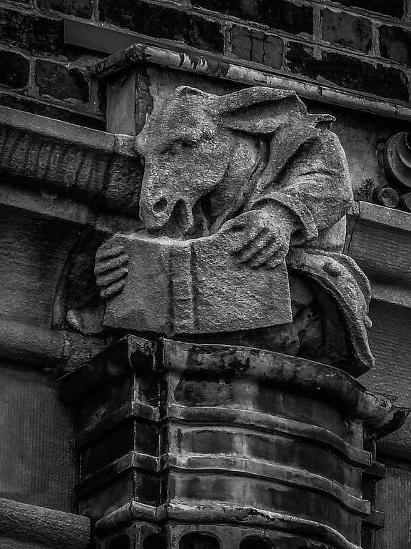 美国费城宾夕法尼亚大学,想象力的雕塑_图1-8
