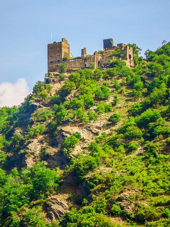 游莱茵河,两岸的城堡_图1-10