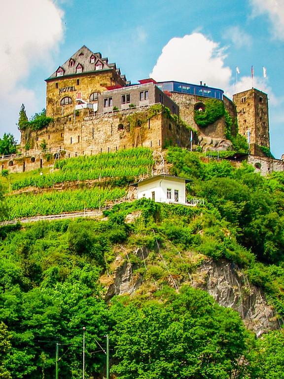 游莱茵河,两岸的城堡_图1-3