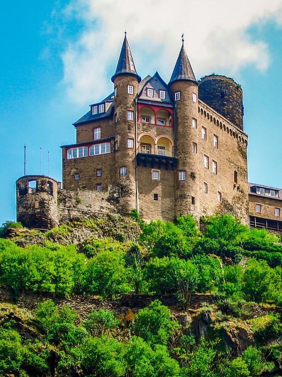 游莱茵河,两岸的城堡_图1-17