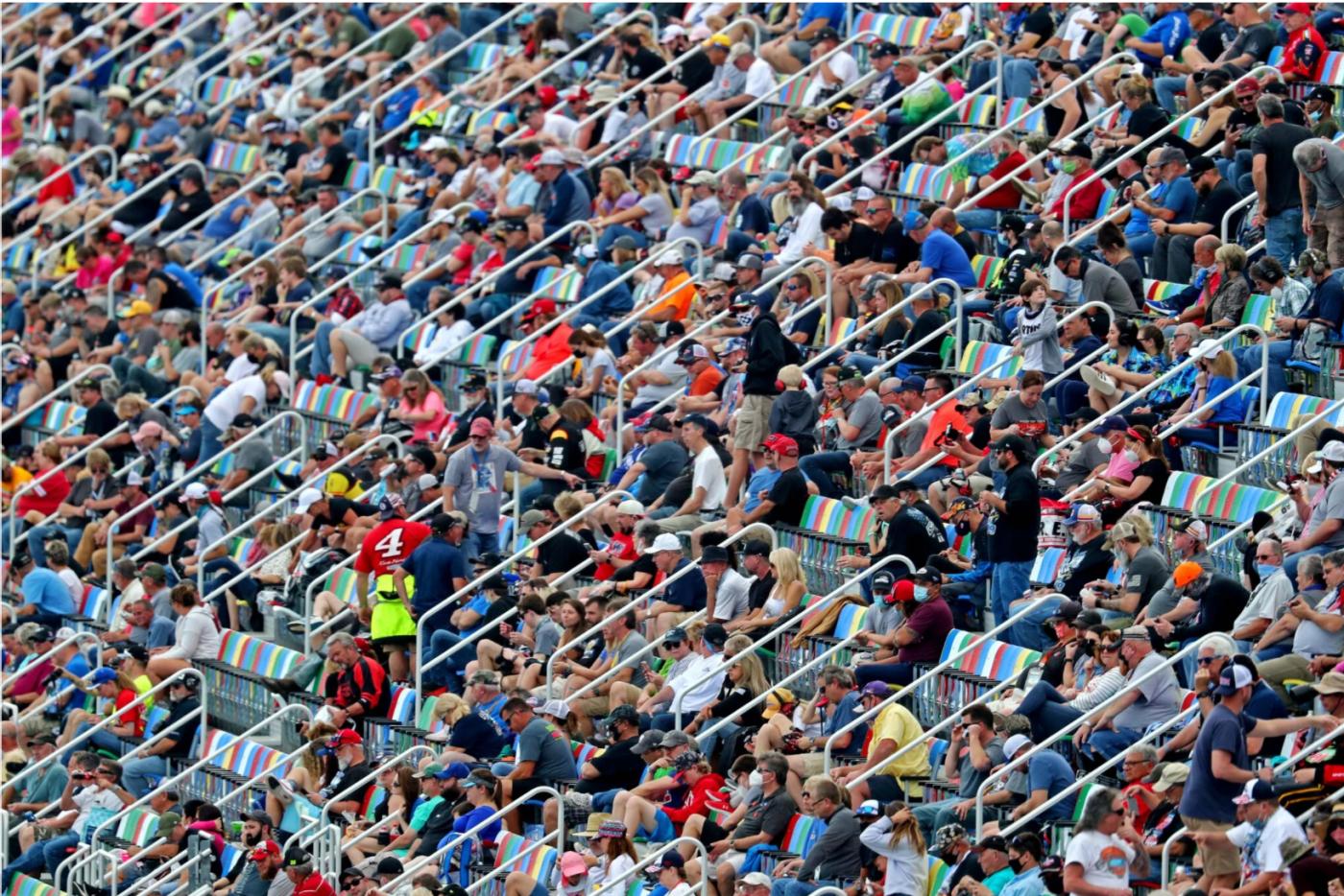 德州违反CDC规定大操大办体育比赛_图1-2