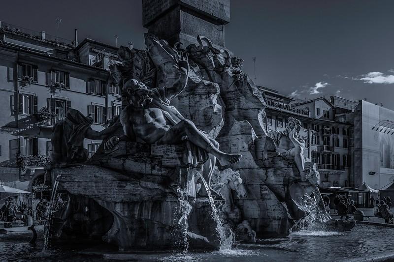 罗马纳沃纳广场,闻名景点_图1-6