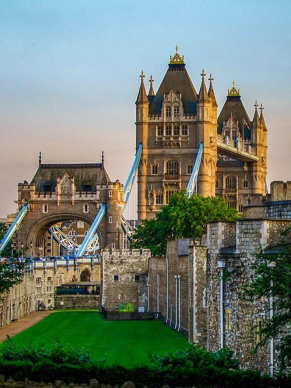 英国伦敦,著名塔桥_图1-8