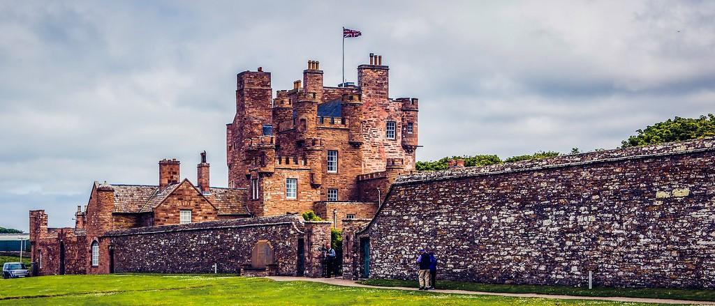 苏格兰梅城堡(Castle of Mey),十六世纪城堡_图1-1