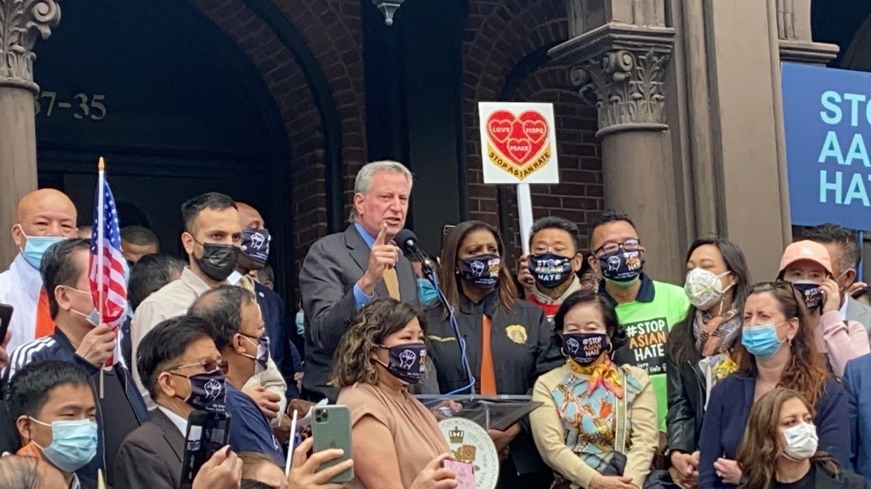 高娓娓:纽约法拉盛反对仇恨亚裔大游行现场实况_图1-13