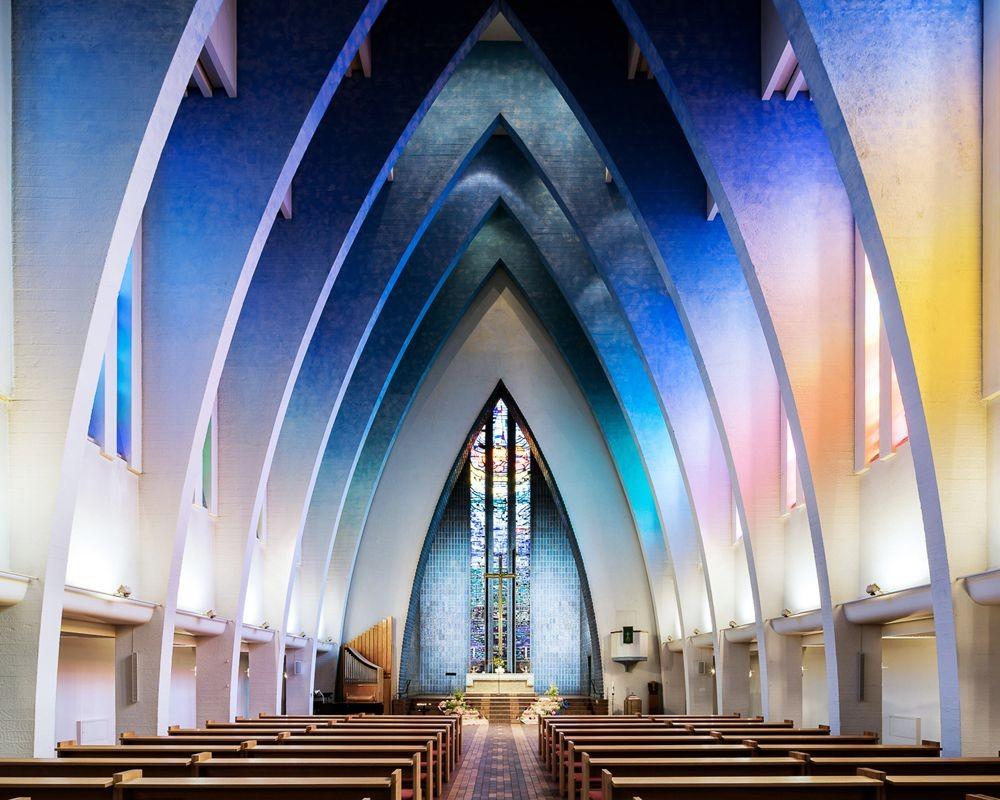 神圣的空间-纵观欧洲和日本各地的教堂_图1-1