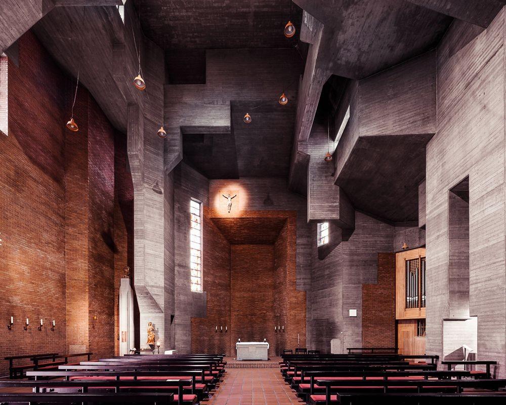 神圣的空间-纵观欧洲和日本各地的教堂_图1-3