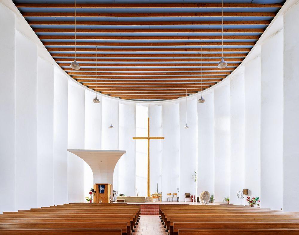 神圣的空间-纵观欧洲和日本各地的教堂_图1-5