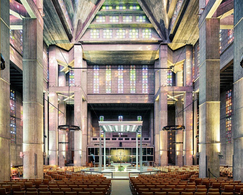 神圣的空间-纵观欧洲和日本各地的教堂_图1-7