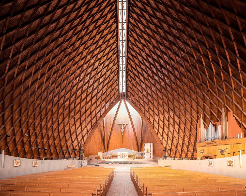 神圣的空间-纵观欧洲和日本各地的教堂_图1-8