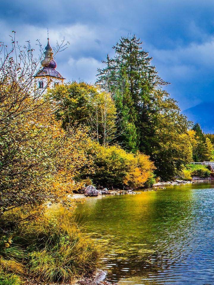 斯洛文尼亚博希尼湖(Lake Bohinj),秋色浓浓_图1-1