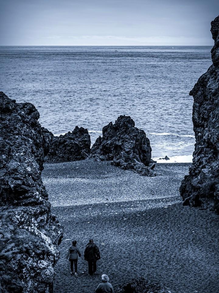 冰岛Djúpalónssandur沙滩,远近礁石_图1-10