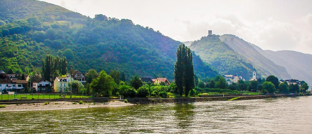 游莱茵河,两岸小镇_图1-13