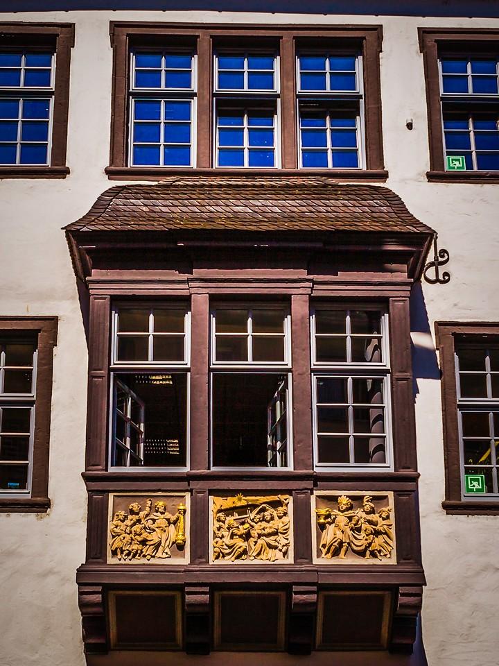 德国马克思城堡(Marksburg castle),路边雕塑_图1-3
