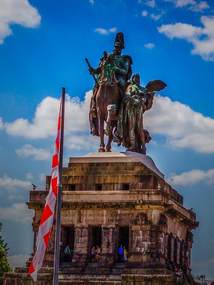 德国马克思城堡(Marksburg castle),路边雕塑_图1-4