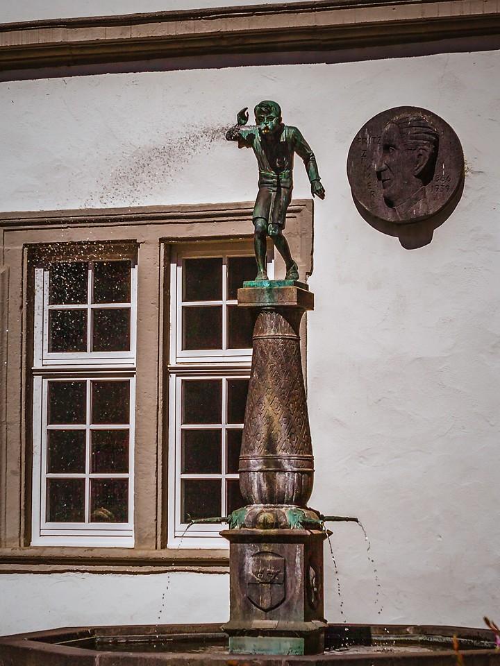 德国马克思城堡(Marksburg castle),路边雕塑_图1-16