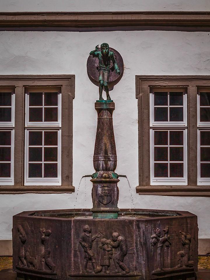 德国马克思城堡(Marksburg castle),路边雕塑_图1-13