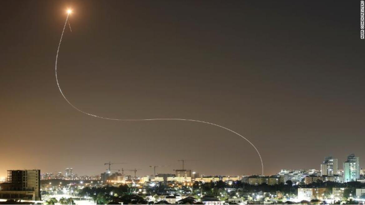以色列《铁穹》导弹防御大显身手_图1-2