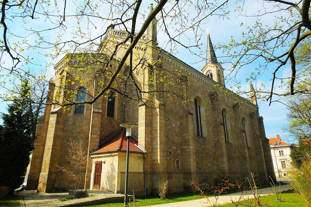 格尔利茨教堂_图1-2