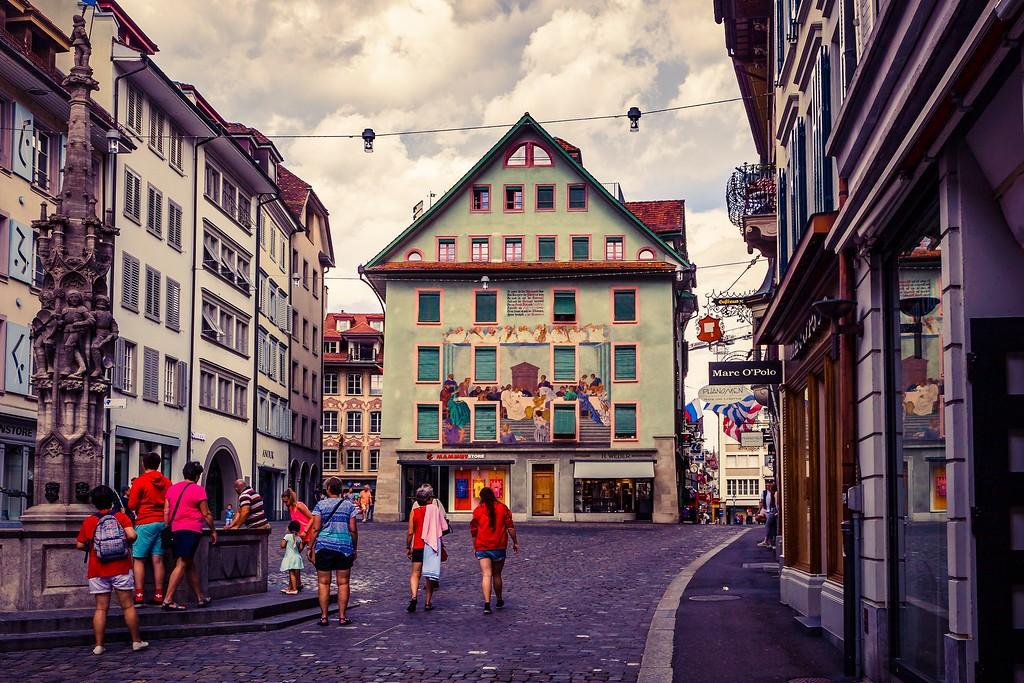 瑞士卢塞恩(Lucerne),街头雕塑_图1-21