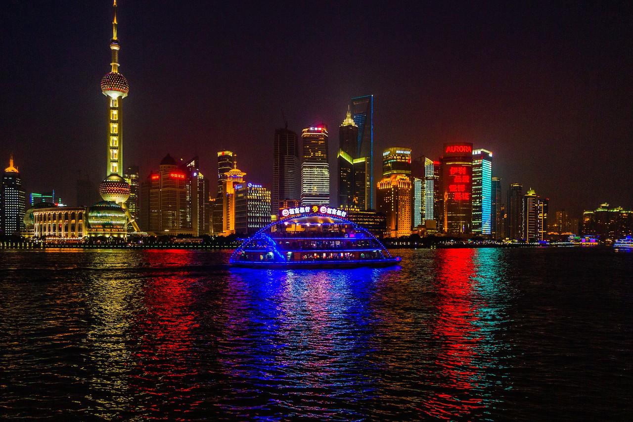 上海外滩,夜幕降临_图1-3