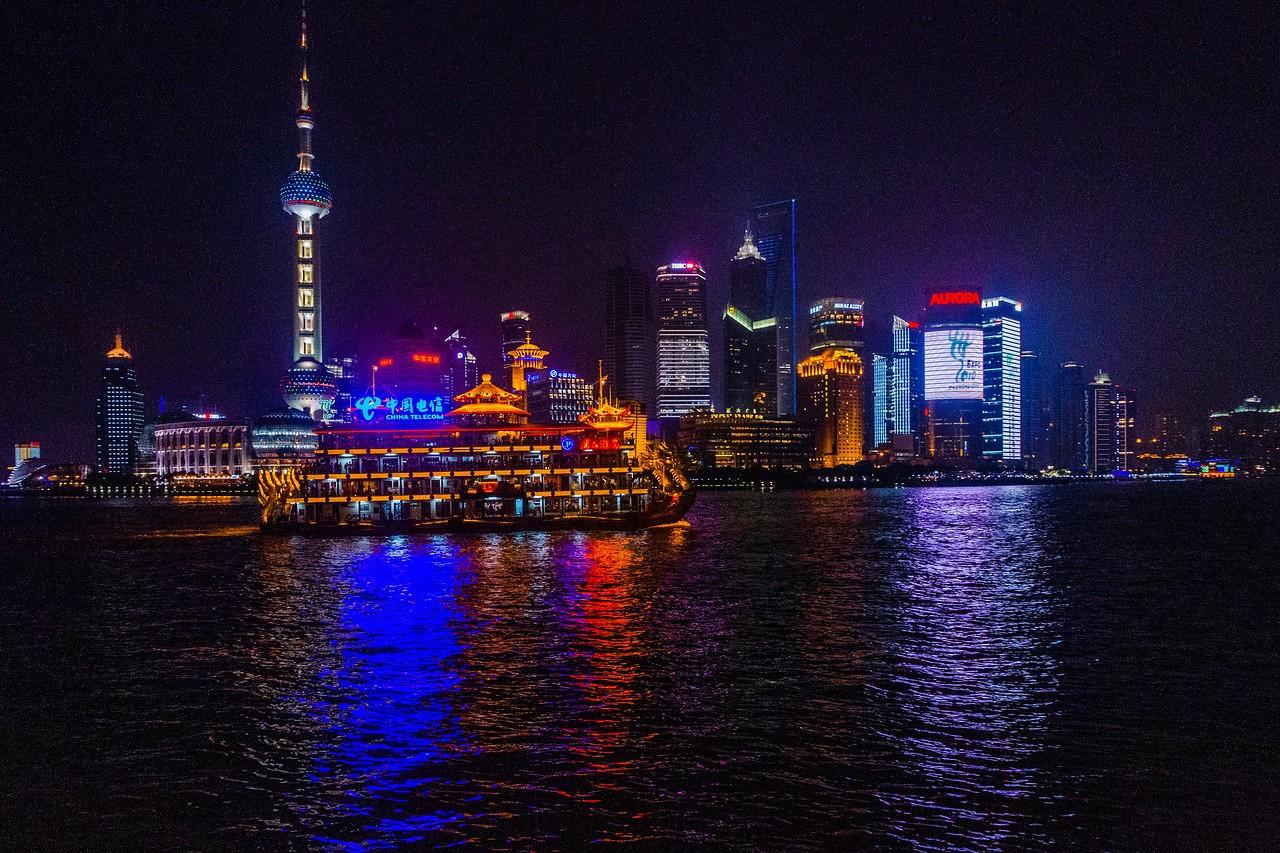 上海外滩,夜幕降临_图1-2