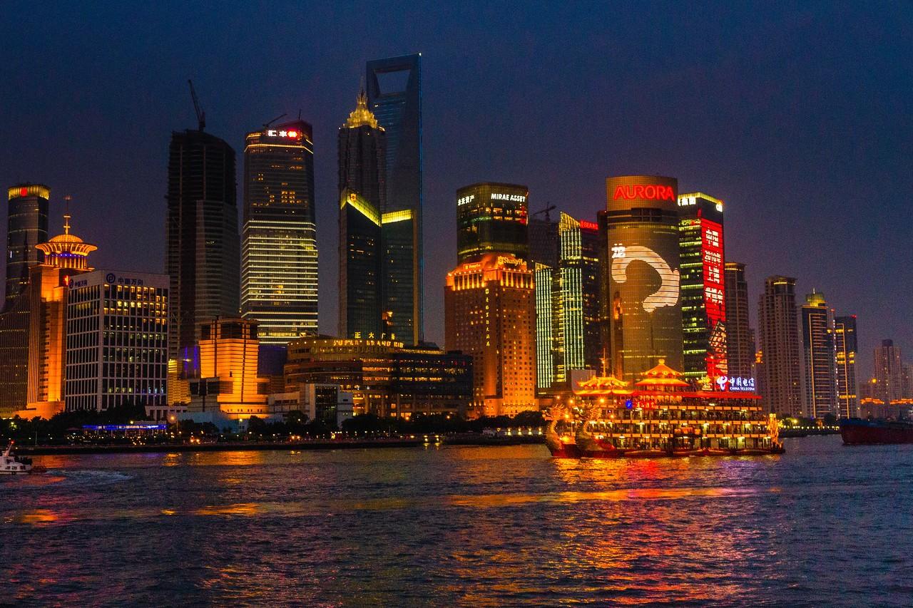 上海外滩,夜幕降临_图1-9