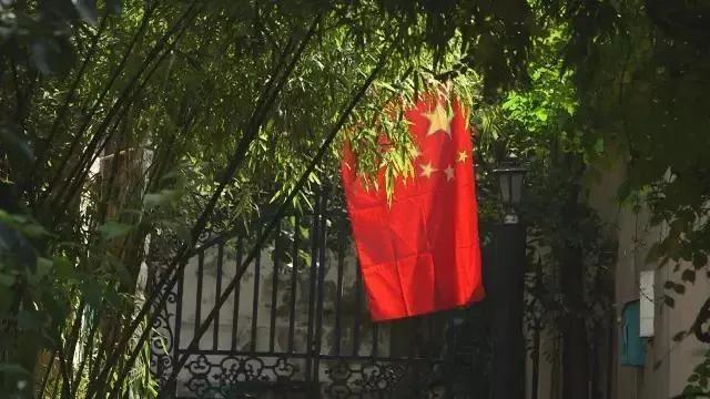 美国女孩嫁中国老公,扎根河南70年:不要叫我外教,因为我是中国人 ..._图1-2