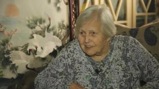 美国女孩嫁中国老公,扎根河南70年:不要叫我外教,因为我是中国人 ..._图1-18